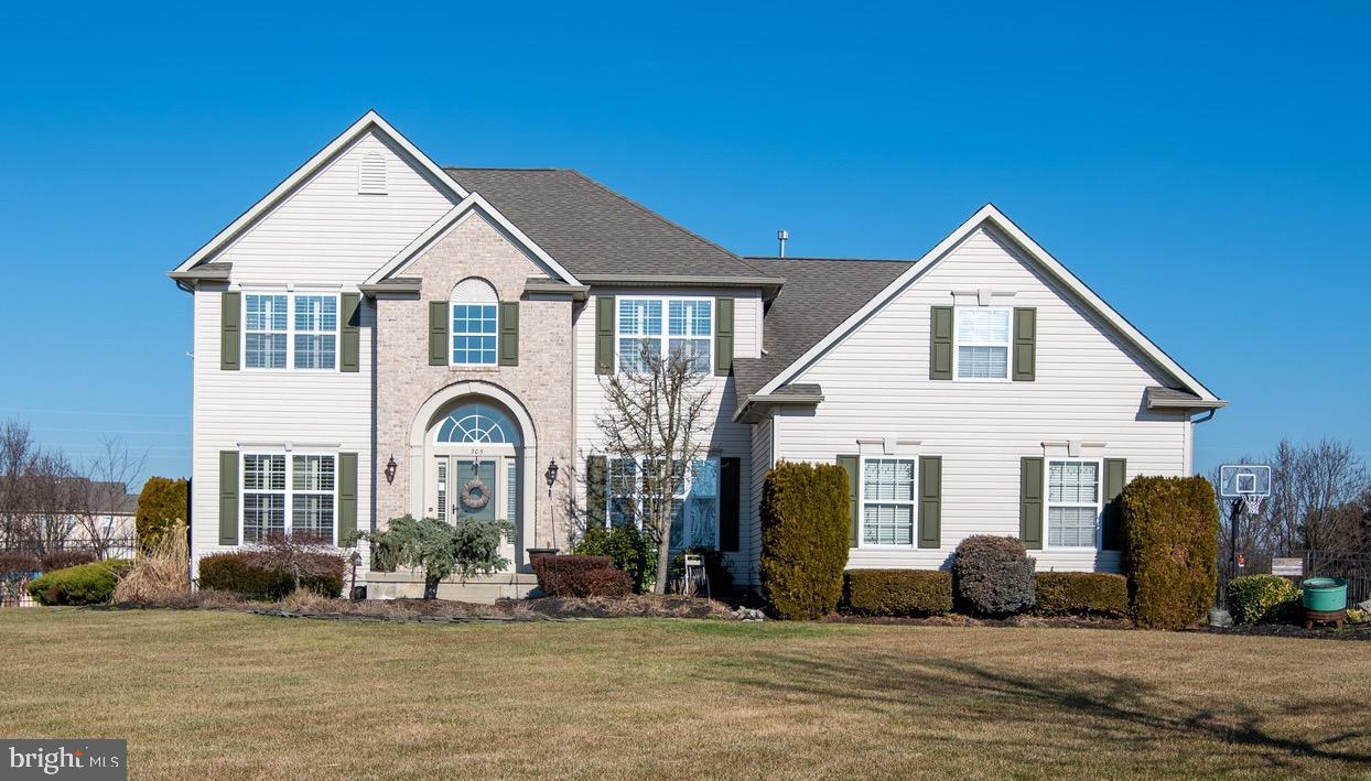 Single Family Homes للـ Sale في 705 RACHAEL Drive Mickleton, New Jersey 08056 United States