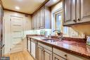 - 317 4TH ST SE, WASHINGTON