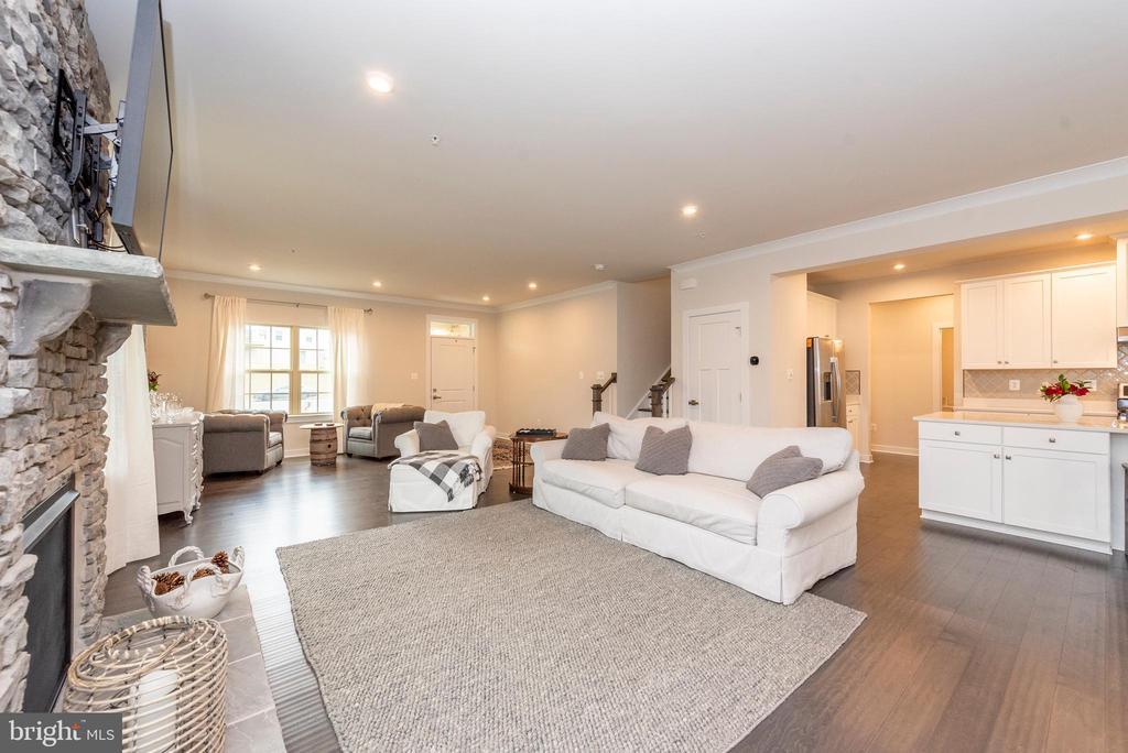 Living room - 9689 AMELIA CT, NEW MARKET