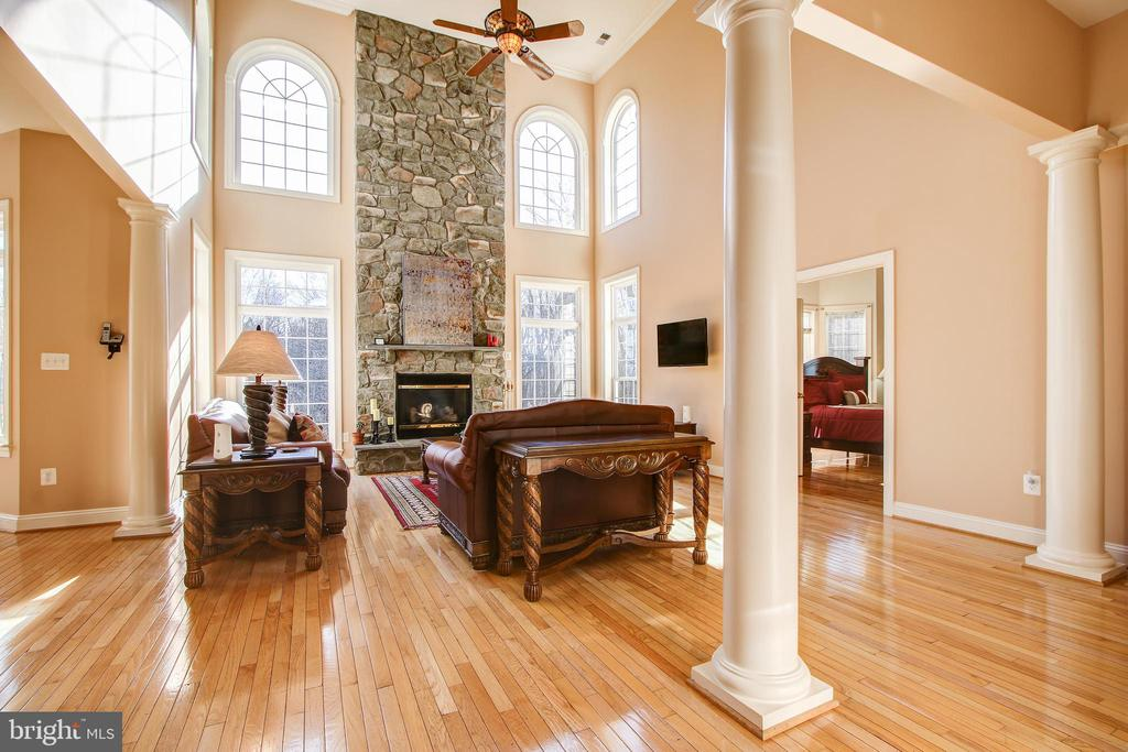 Family Room with High Ceilings - 15611 RIDING STABLE RD, LAUREL