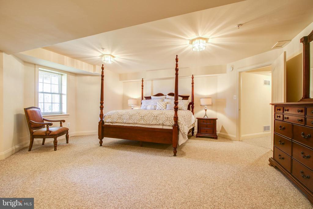Basement Bedroom #! - 15611 RIDING STABLE RD, LAUREL