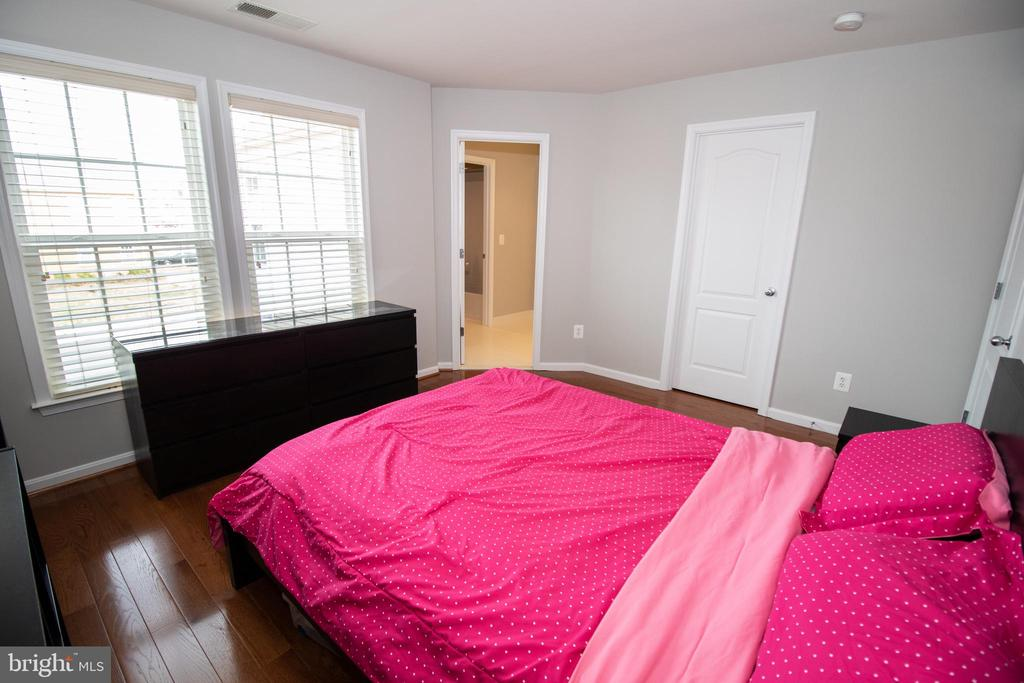 Bedroom #4 on Upper Level - 42011 ZIRCON DR, ALDIE