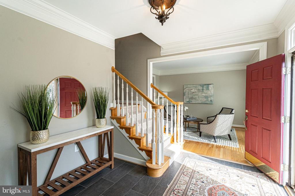 Welcoming Foyer - 17716 CRICKET HILL DR, GERMANTOWN