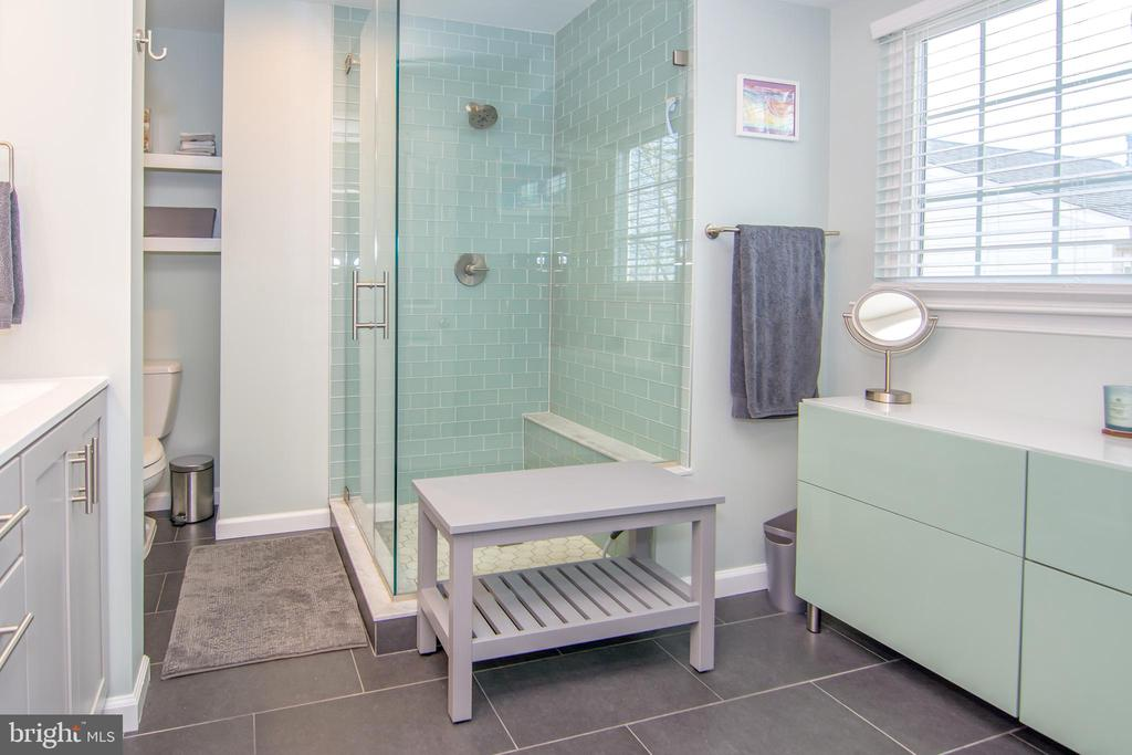 Newly renovated master bathroom!!! - 6477 EMPTY SONG RD, COLUMBIA