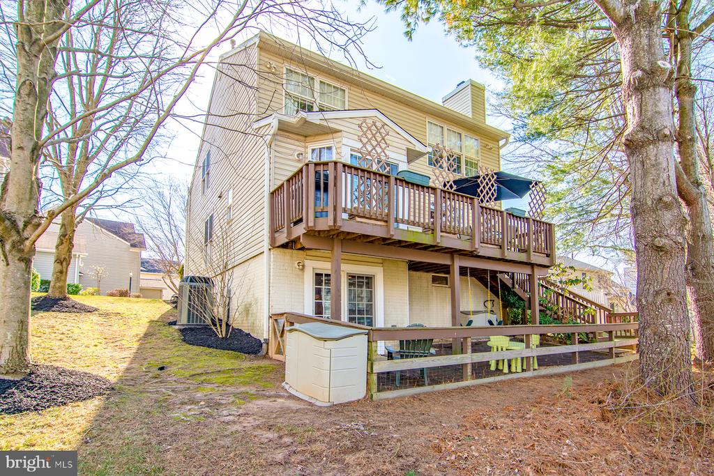 Rear deck, fenced in patio! - 6477 EMPTY SONG RD, COLUMBIA