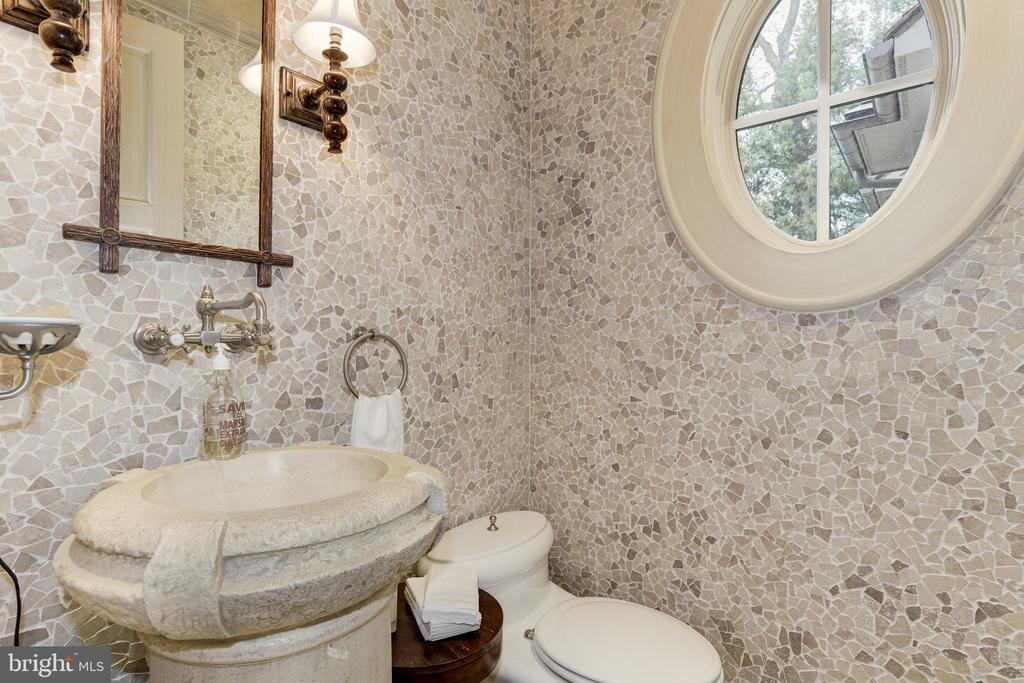Informal Powder Room - 5517 PEMBROKE RD, BETHESDA