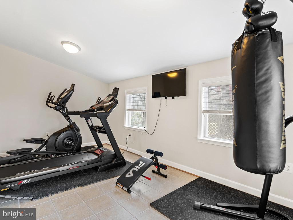 Den/Gym - 3054 CEDAR LN, FAIRFAX