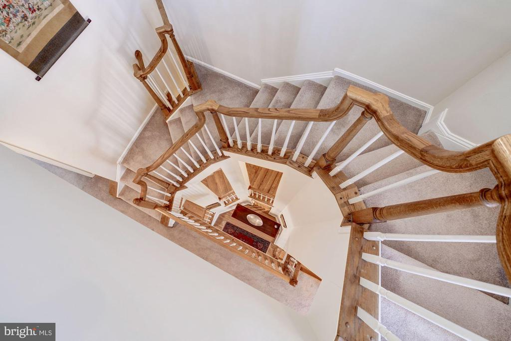Dramatic Open Staircase - 12086 KINSLEY PL, RESTON