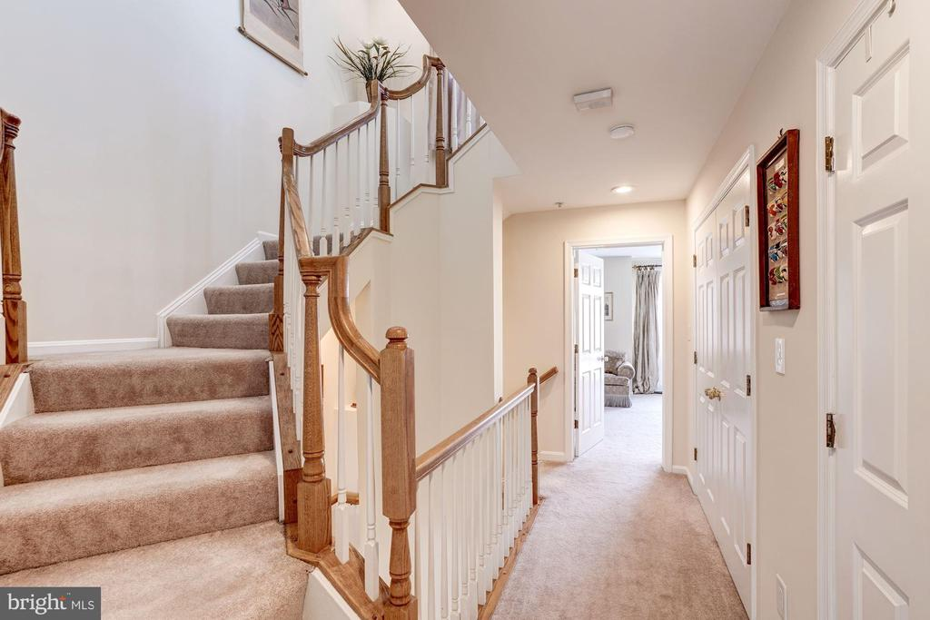 Staircase to Top Level - 12086 KINSLEY PL, RESTON