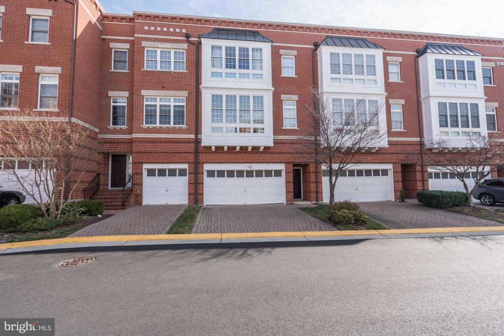 Two Car Garage! - 12086 KINSLEY PL, RESTON