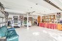 Over-sized 2-car garage w craft/workshop built-ins - 6122 PLAINVILLE LN, WOODBRIDGE