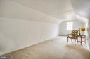 Bonus room: Nursery? Office? HUGE closet?  U pick! - 6122 PLAINVILLE LN, WOODBRIDGE