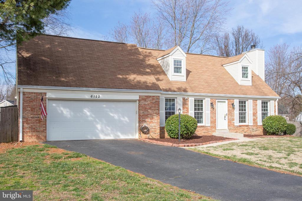 Come and make this your new home! - 6122 PLAINVILLE LN, WOODBRIDGE