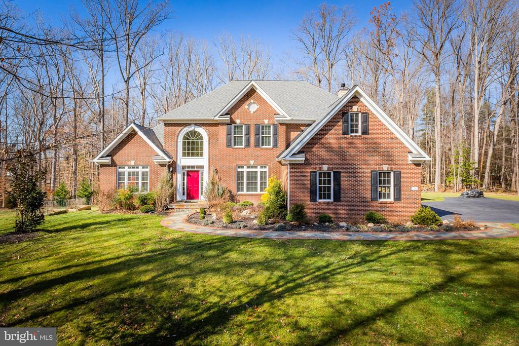 Welcome to 8108 Spruce Valley Lane, Clifton, VA - 8108 SPRUCE VALLEY LN, CLIFTON
