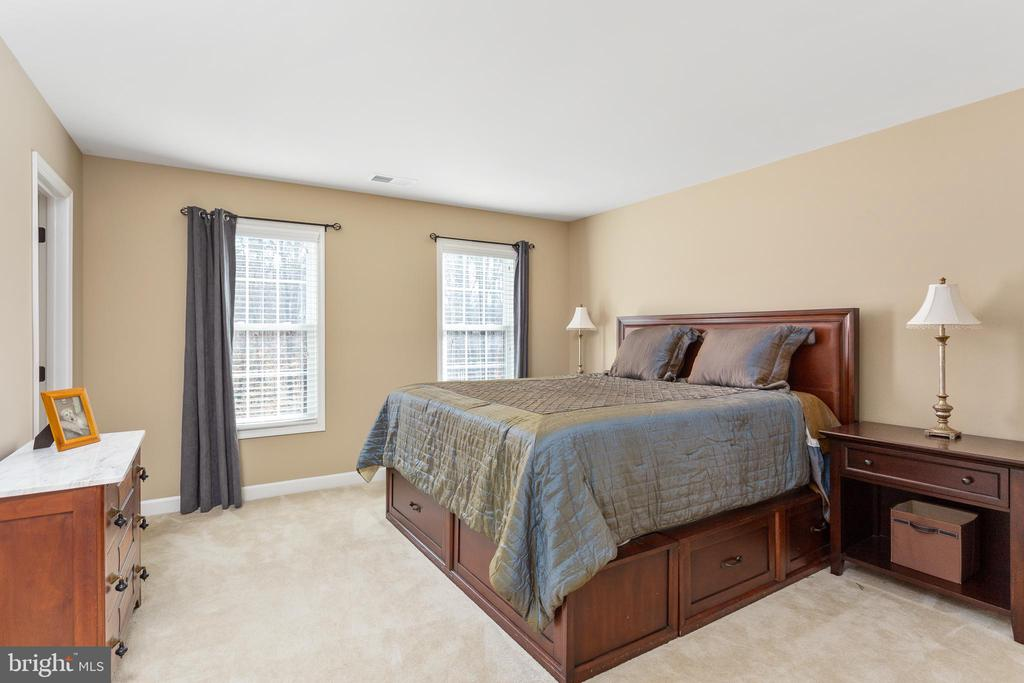 Bedroom 2 en Suite - 8108 SPRUCE VALLEY LN, CLIFTON