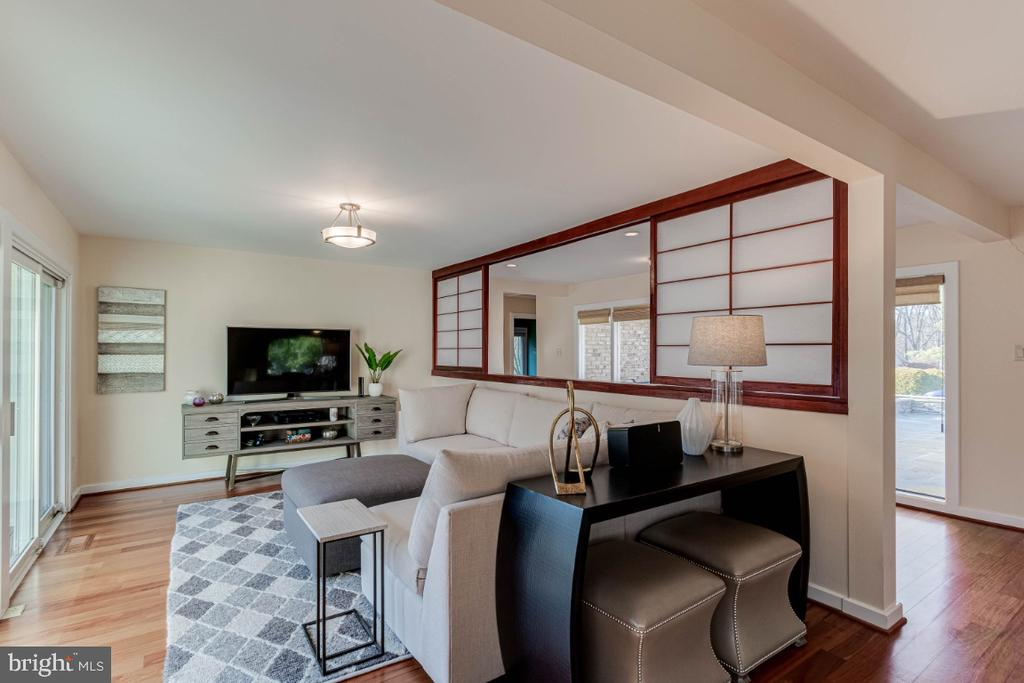 Great Layout for Entertaining - 10907 WATERMILL CT, OAKTON