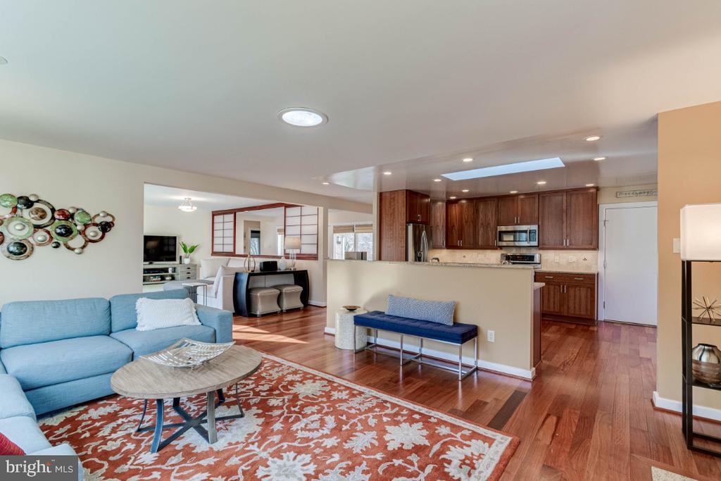 Living Room - 10907 WATERMILL CT, OAKTON