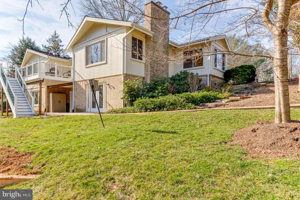 Large Yard - 10907 WATERMILL CT, OAKTON