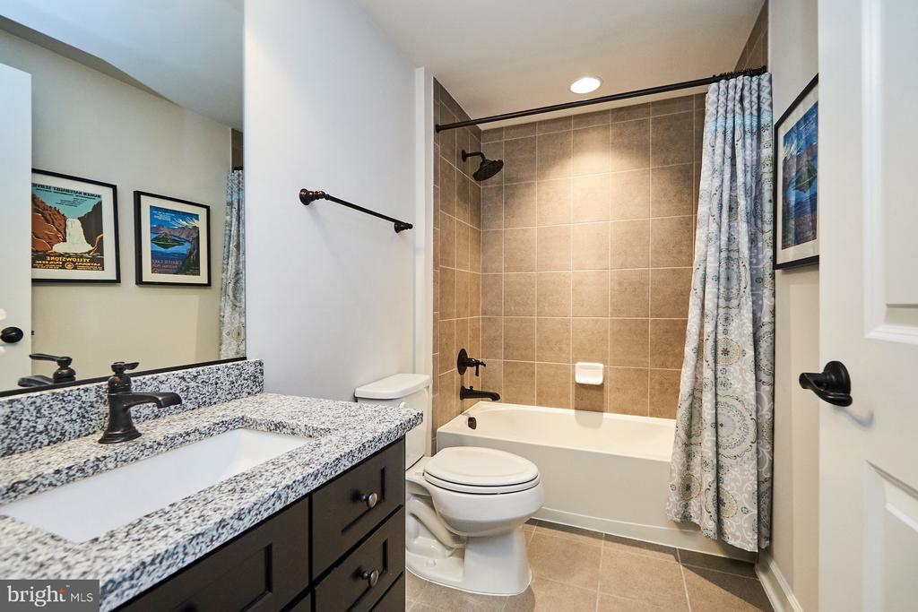 Basement bathroom - 41222 TRAMINETTE CT, ASHBURN