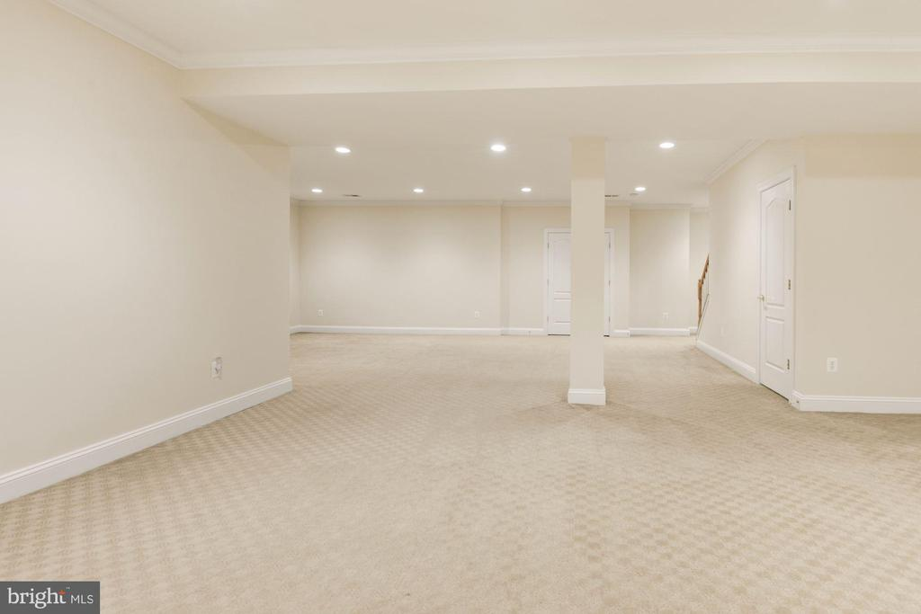 Lower Level Recreation Room w/9FT Ceilings - 12184 HICKORY KNOLL PL, FAIRFAX