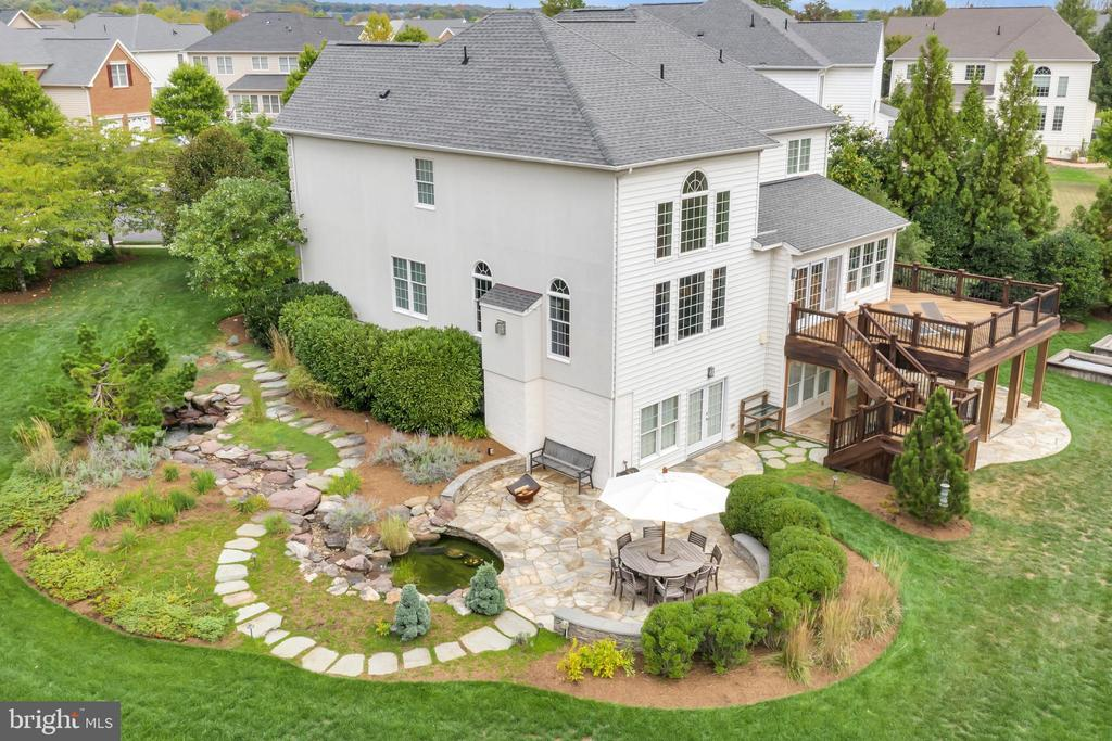 Dream Backyard - 22960 CARTERS STATION CT, ASHBURN