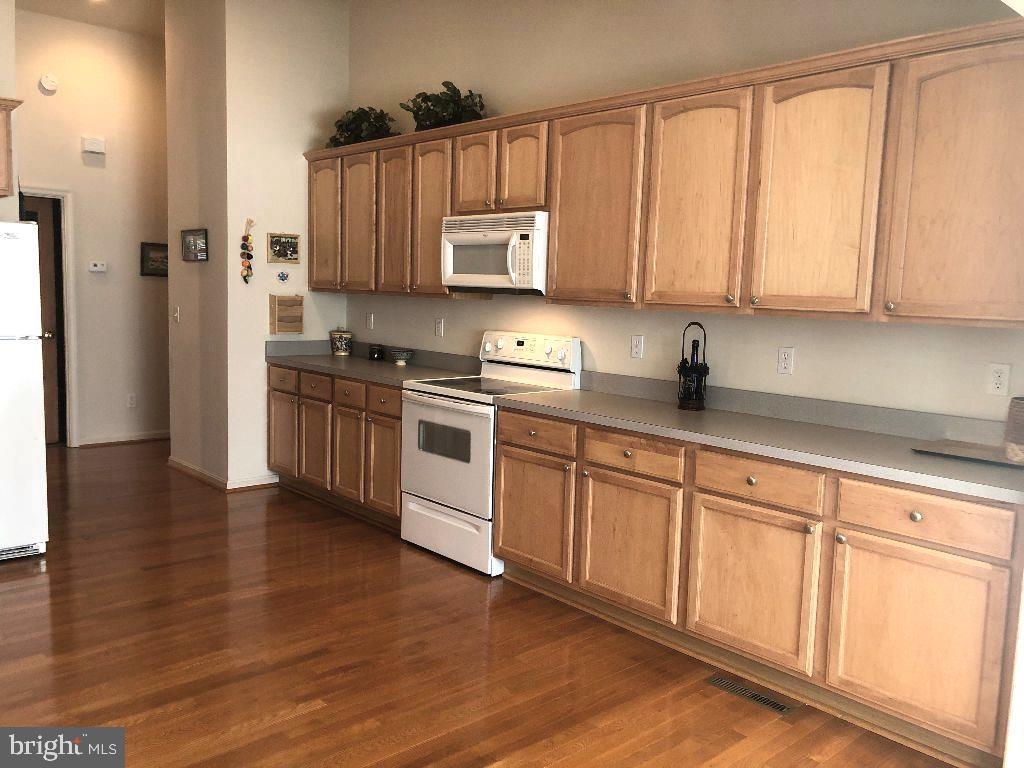 Kitchen - 216 BATTLEFIELD RD, LOCUST GROVE