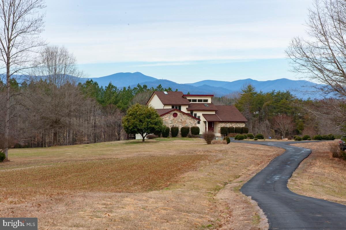 Single Family Homes per Vendita alle ore Aroda, Virginia 22709 Stati Uniti