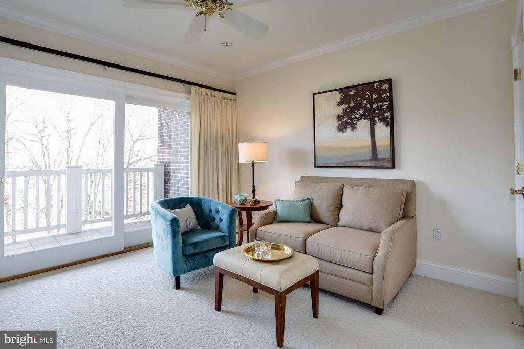2nd bedroom with doors to balcony - 1201 N NASH ST #302, ARLINGTON