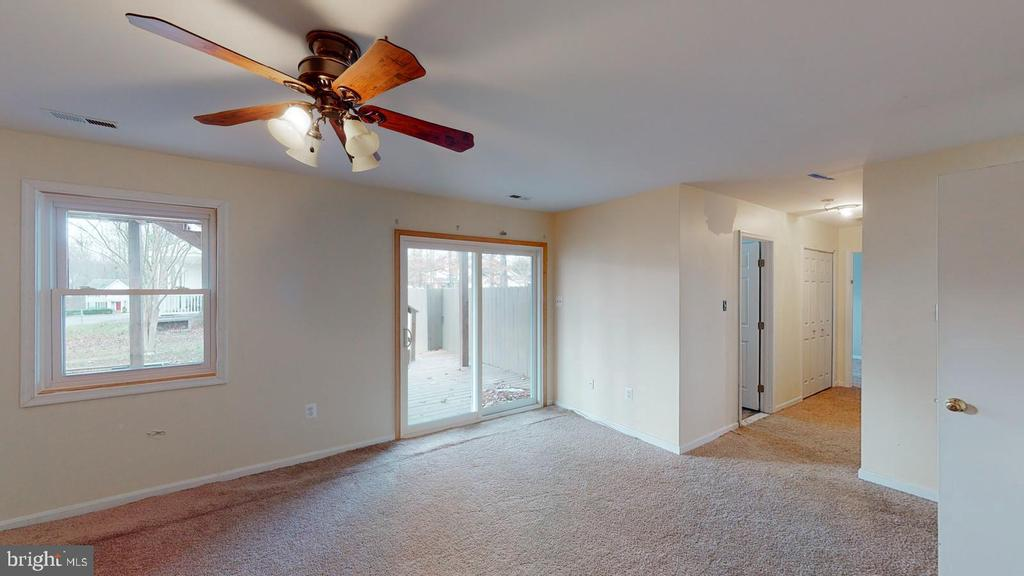 Dining room with new sliding glass doors - 56 DOROTHY LN, STAFFORD