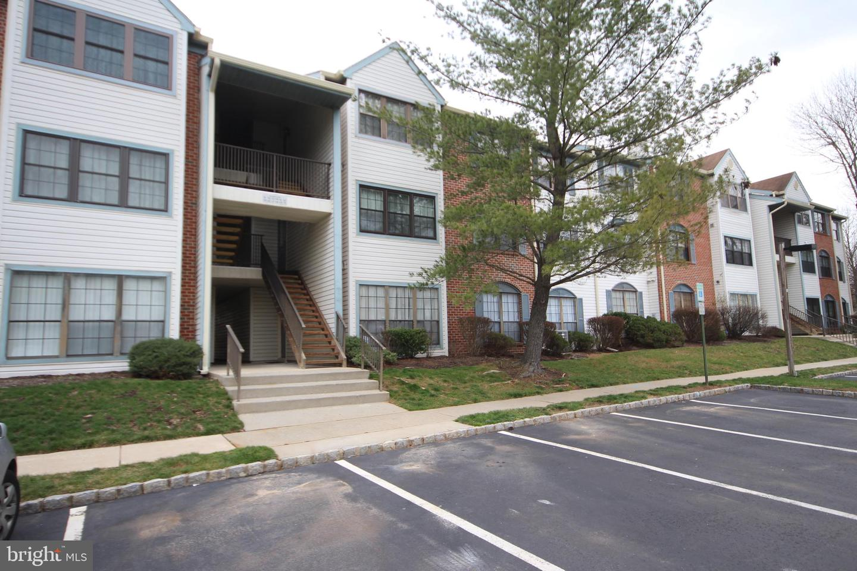 Single Family Homes per Vendita alle ore Lawrence, New Jersey 08648 Stati Uniti