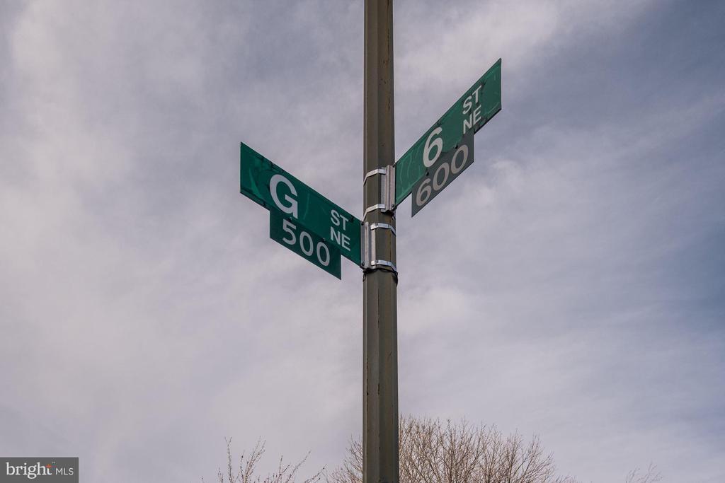 - 522 G ST NE, WASHINGTON