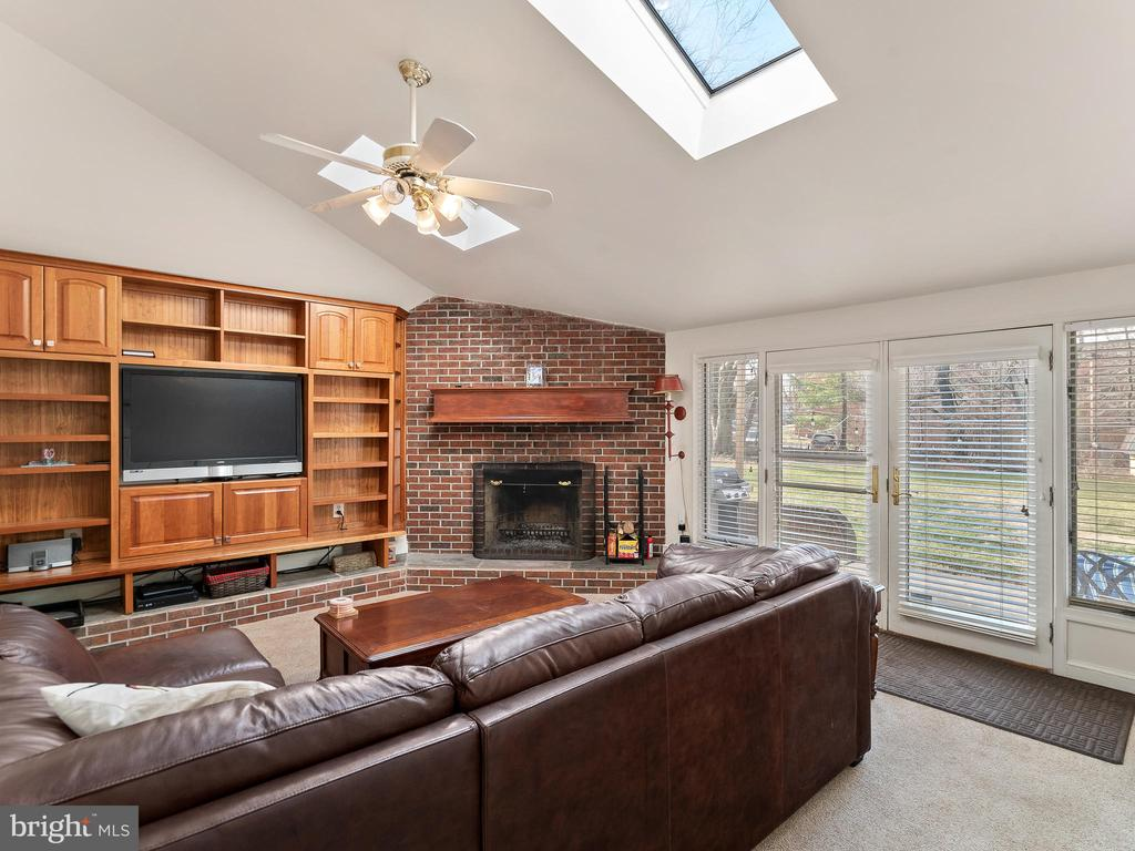 family room with brick fireplace - 200 WASHINGTON GROVE LN, GAITHERSBURG