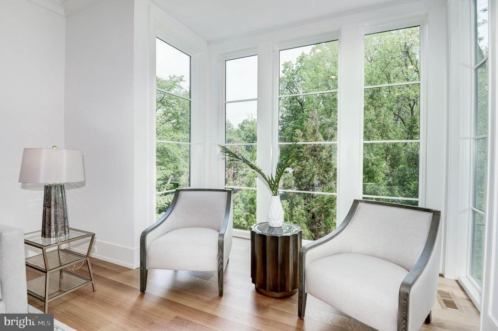 Living Room - 3016 UNIVERSITY TER NW, WASHINGTON