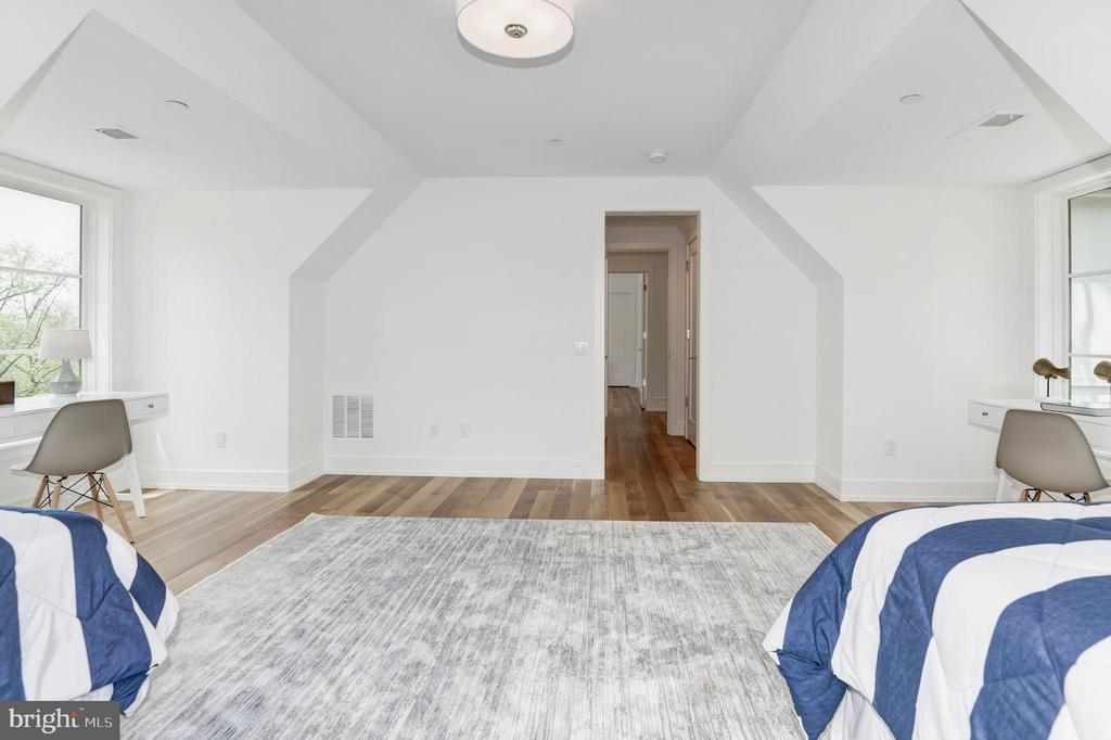 Fourth Bedroom - 3016 UNIVERSITY TER NW, WASHINGTON