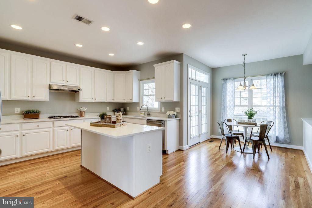 Kitchen/Breakfast Area - 2952 22ND ST S, ARLINGTON