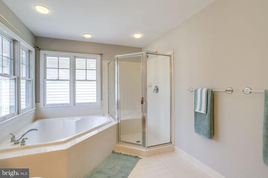 Master Bathroom - 2952 22ND ST S, ARLINGTON