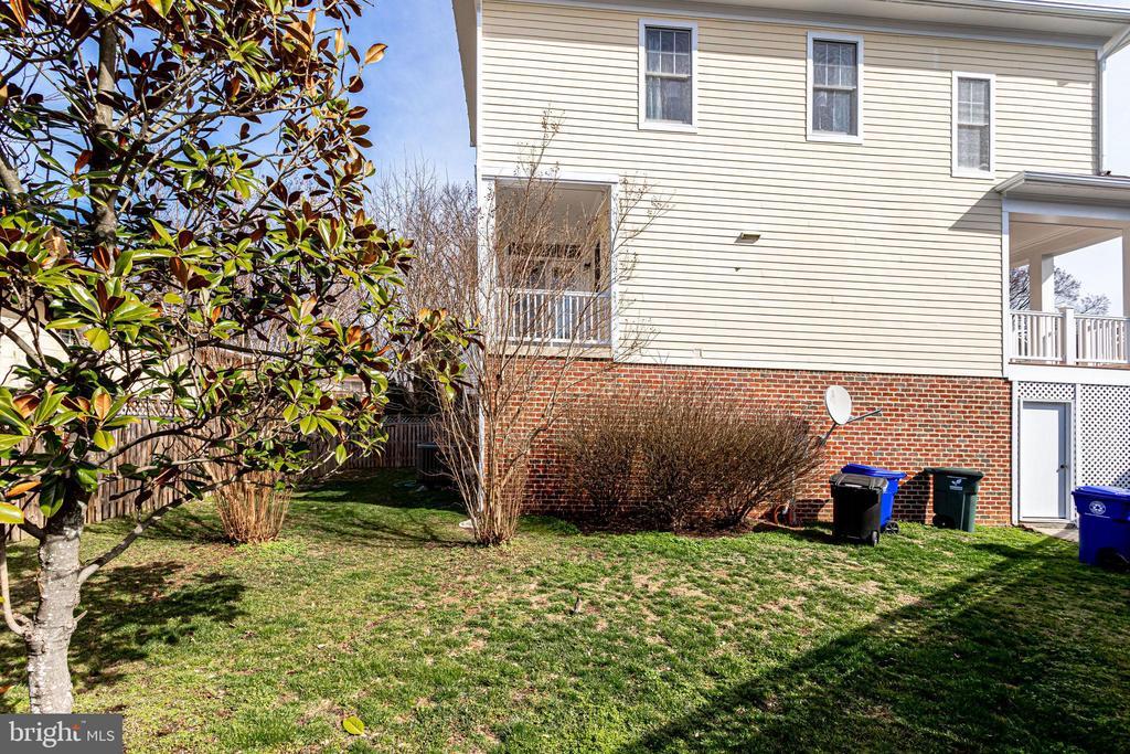Fully Fenced Yard - 2952 22ND ST S, ARLINGTON
