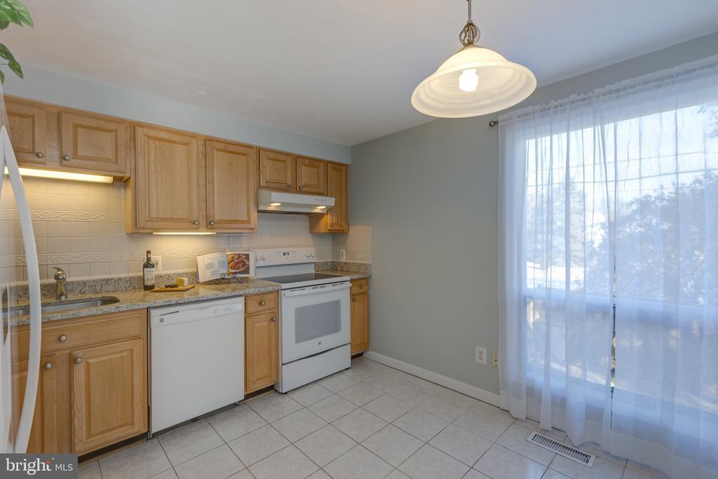Kitchen - 4467 ELAN CT, ANNANDALE