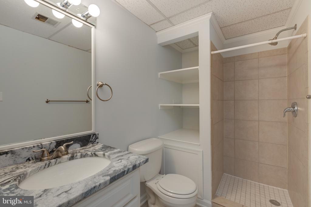 Full bath in the basement - 4467 ELAN CT, ANNANDALE