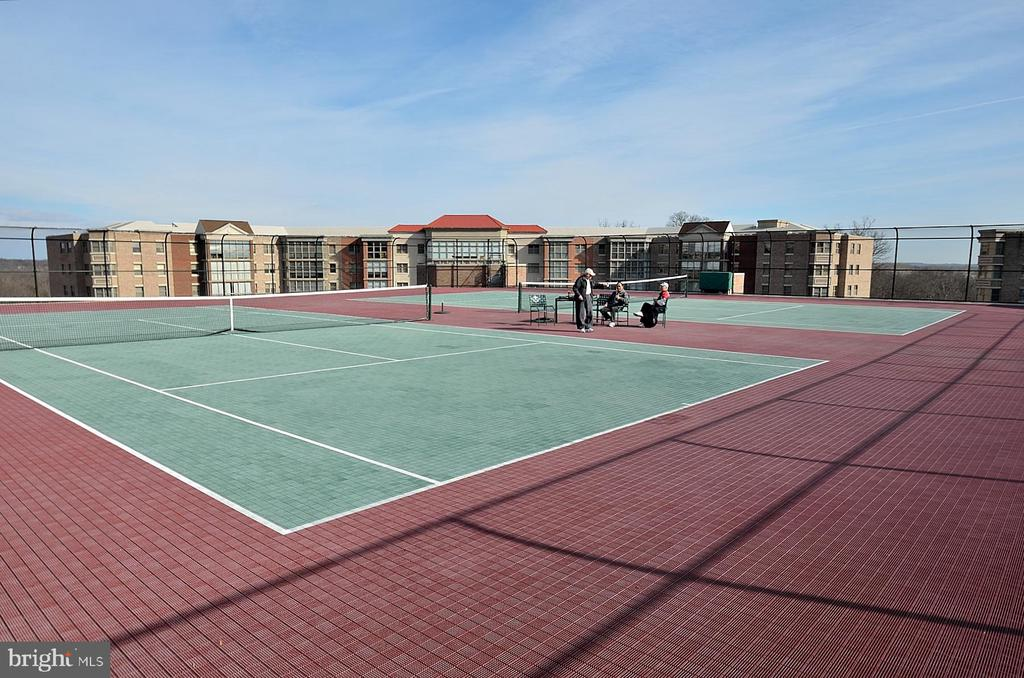 Enjoy tennis courts in the community - 19375 CYPRESS RIDGE TER #107, LEESBURG