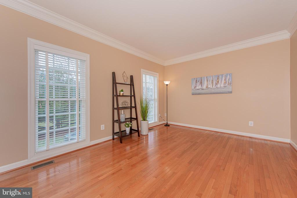 Spacious Home Office - 4000 BELVEDERE LN, FREDERICK