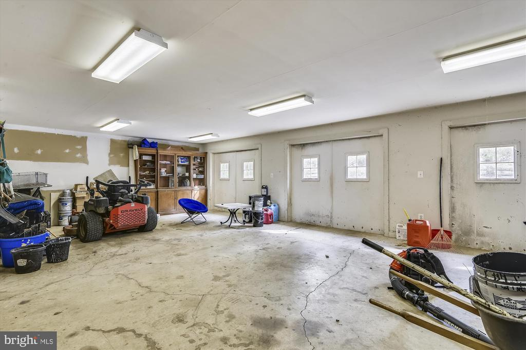guest house garage - 3050 RECTORTOWN RD, MARSHALL
