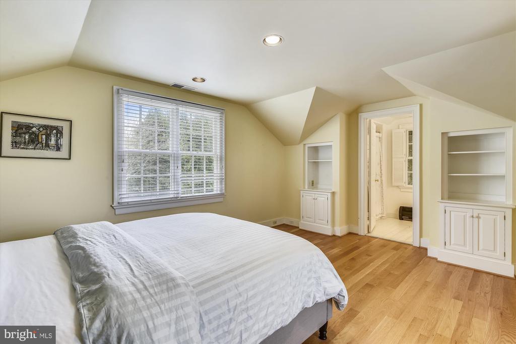 studio bedroom - 3050 RECTORTOWN RD, MARSHALL