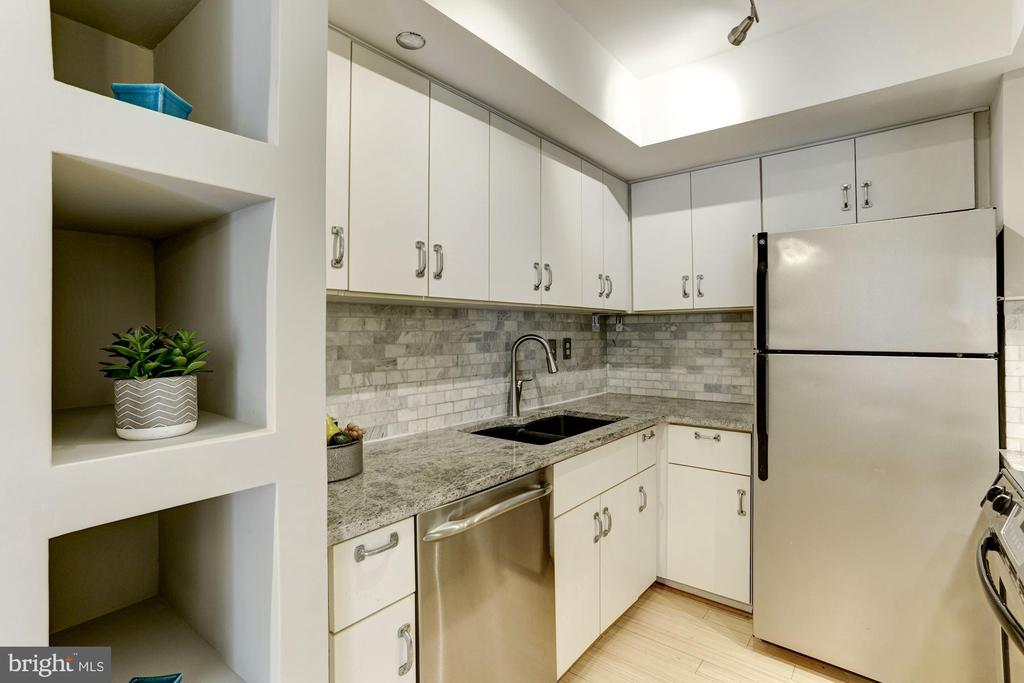 Spacious Kitchen with lots of storage - 1275 25TH ST NW #808, WASHINGTON