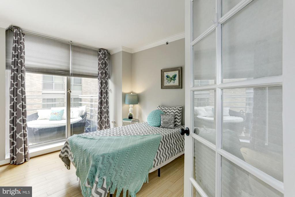 Second bedroom with balcony views! - 1275 25TH ST NW #808, WASHINGTON
