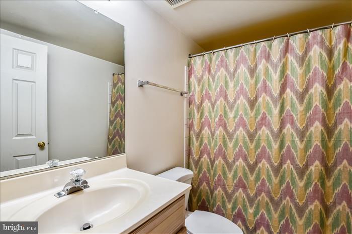 Lower Level FULL Bath - 13906 LEETON CIR, CHANTILLY