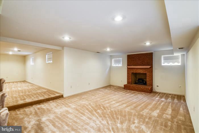 Recreation Room with Gas Fireplace - 13906 LEETON CIR, CHANTILLY