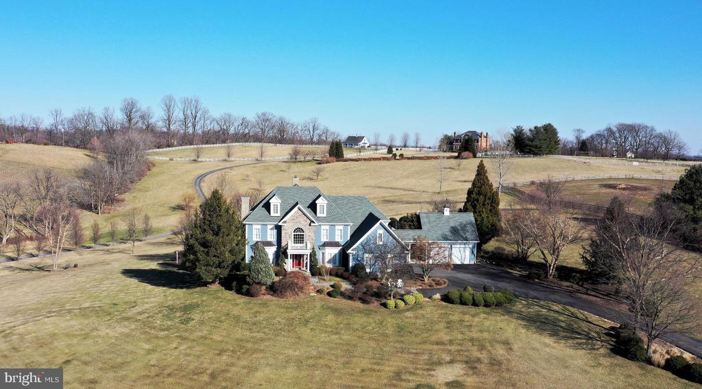 Professionally landscaped with heirloom trees - 16080 GOLD CUP LN, PAEONIAN SPRINGS