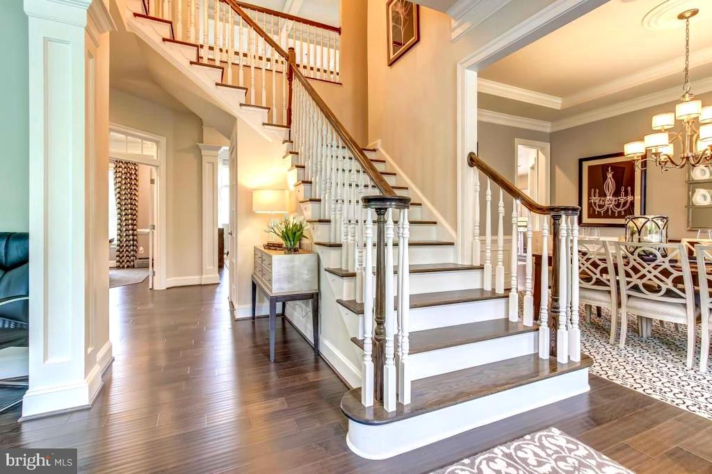 Double staircase greets you in spaccous entry hall - 2327 DALE DR, FALLS CHURCH