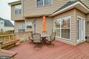 TREX DECK WITH BUILT IN SEATING - 5014 QUELL CT, WOODBRIDGE
